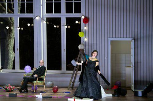 """""""Don Pasquale"""": Regisseur Christof Loy gelingt ein Kunststück in den Bühnenbildern von Johannes Leiacker. oper/Rittershaus"""