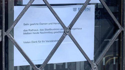 Ebenfalls im Visier: Das Bregenzer Rathaus blieb vorläufig geschlossen. vol.at/Pletsch