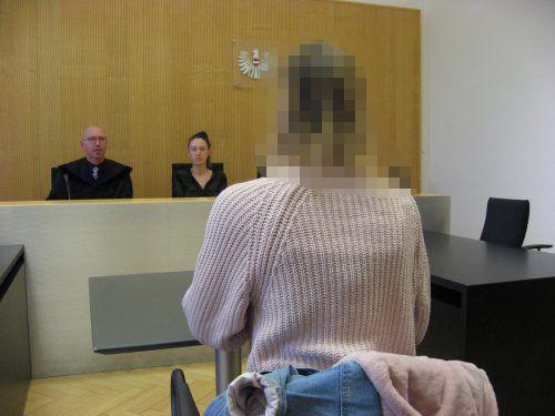 Ein Gutachten soll klären, ob sich die junge Frau den angeblichen sexuellen Missbrauch in einer Diskothek nur einredet. eckert