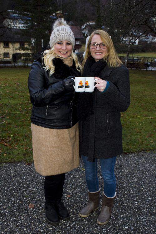 Ein Hoch auf das Netz für Kinder: Marlene Marosch und Angelika Benzer.