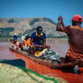 Flussfahrt auf dem Tsiribinha