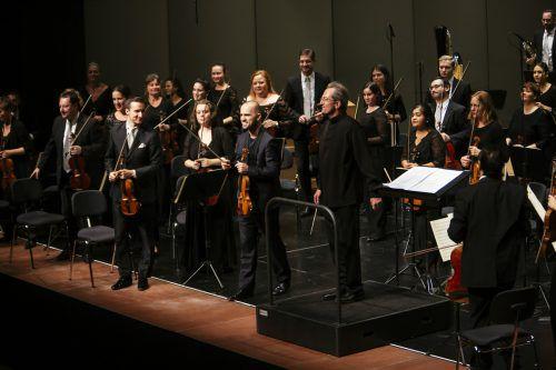 """Gérard Korsten führte """"sein"""" Orchester wieder einmal zu einem Höhenflug. Lisa Mathis"""