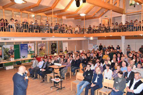 Hannes Royer verstand es, in seinem Vortrag authentisch und mitreißend zu informieren. mo
