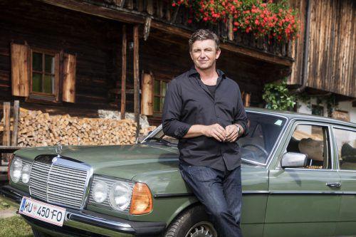 Hans Sigl alias Martin Gruber öffnet ab Jänner wieder seine Praxis inmitten der Tiroler Bergwelt. ZDF/Roland Defrancesco