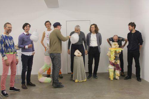 Hier geschaffen oder aus New York geholt: Werke von Alfredo Barsuglia (mit Zuckerwatte), seinen Studenten und des Teams Gelitin. AG