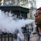 E-Zigaretten als Auslöser für Lungenkrankheit verdächtigt