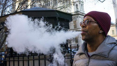 In den USA sind E-Zigaretten schon länger im Verdacht, Krankheiten auszulösen. AFP