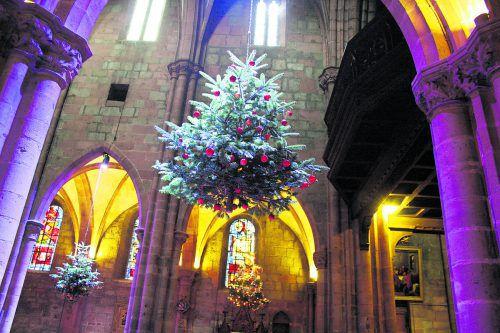 In der Kirche St. Georg in Sélestat gibt es eine Ausstellung zur Geschichte des Christbaumes. Ville de Sélestat