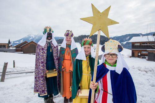 In farbenfrohen Gewändern ziehen die Heiligen Drei Könige ab sofort durch die Lande und werden von vielen sehnsüchtig erwartet. vn/steurer