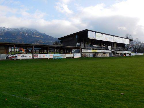In Röthis soll am Fußballplatz ein neues Sportheim entstehen. Hier kicken an die 500 Fußballer und es wird sogar Bundesliga-Fußball gespielt. mäser