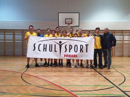 Konnte sich gegen die Kollegen vom Sportgymnasium Dornbirn durchsetzen: das Basketballteam der HTL Rankweil. Privat