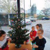 Rohrbach-Volksschüler als Weihnachtswichtel