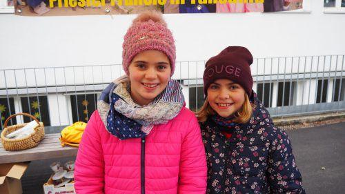 Maria und Ida-Maria waren beim Markt mit dabei.