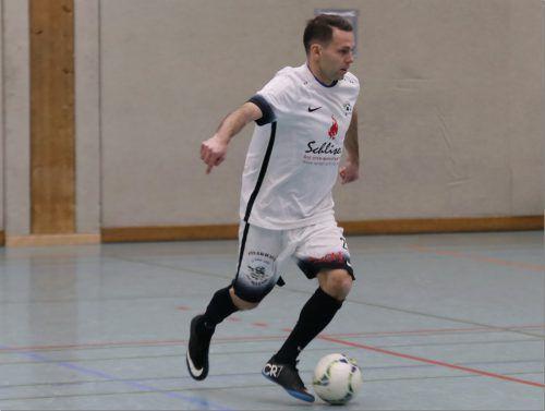 Micke Zech gibt beim Hallenmasters sein Comeback für FC Klostertal. kno