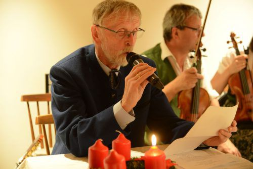 Mundartpoet Sepp Kettl trug bei der Feier Texte vor.