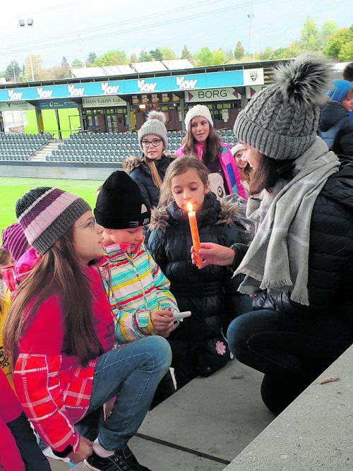Nicht nur Kinderaugen werden glänzen, wenn am Sonntag das erste Weihnachtssingen in der Cashpoint Arena stattfindet.SCRA