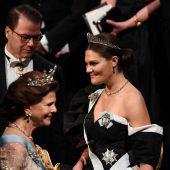 """<p class=""""caption"""">Olga Tokarczuk und Peter Handke bei der Verleihung im royalen Rahmen. afp</p>"""