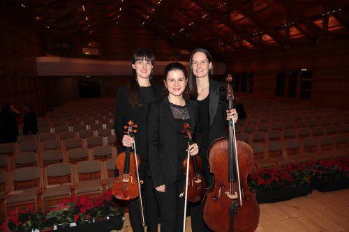 Petra Kovacic, Adela Günther, Zsofia Günther-Mészáros.