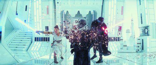 """Regisseur J.J. Abrams findet in """"Star Wars: Der Aufstieg Skywalkers"""" spektakuläre Kulissen für den ewigen Kampf von Gut gegen Böse. Lucasfilm"""
