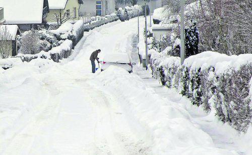 Schneemengen Auch wenn sich in Tallagen bisher nicht gar zu viel Schnee gezeigt hat, müssen Anrainer bereit sein zum Schneeschaufeln.