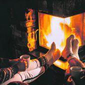 Romantik am knisternden Feuer