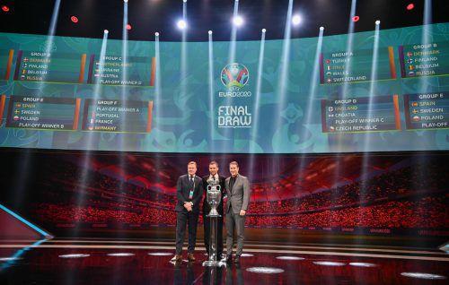 Sie werden in EM-Gruppe C aufeinander treffen: Der niederländische Trainer Ronald Koeman (l.), der ukrainische Coach Andriy Shevchenko (M.) und ÖFB-Teamchef Franco Foda.AFP