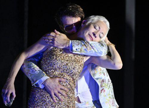 "Sona MacDonald mit Claudius Stolzmann im ""Kirschgarten"". APA"