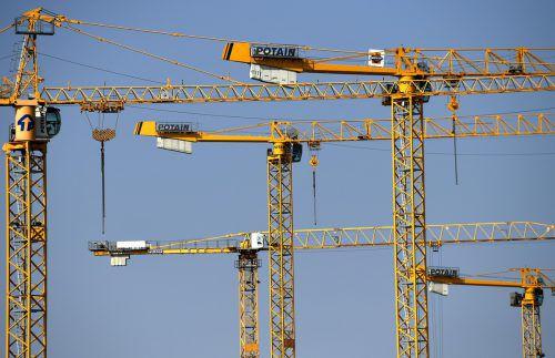 SPÖ und FPÖ vermissen wichtige Baustellen im Landesbudget. Die Neos warnen vor zu hohen Schulden.APA