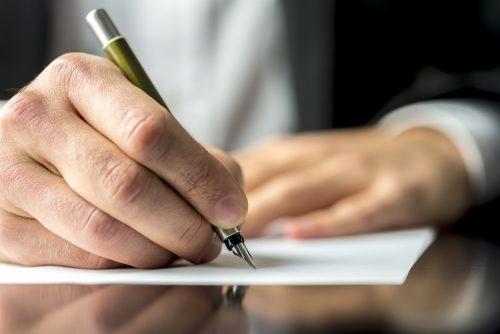 Unternehmerische Entscheidungskraft ist in einer Stiftung nicht möglich, sagt Notar Dr. Richard Forster. Adobe Stock
