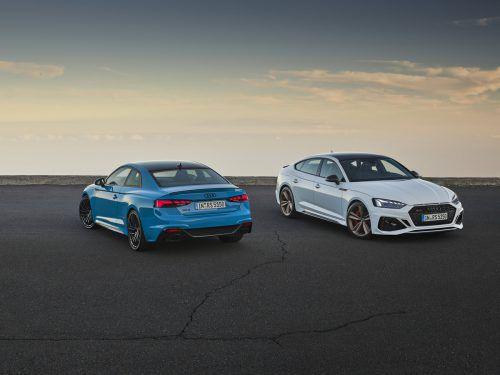 Vom Facelift der Audi-Baureihe A5 profitieren nun auch die Sportversionen RS5 Coupé und Sportback. Zwei- und Viertürer erhalten Änderungen an Front und Heck sowie ein neues Infotainment-System. Weiterhin dient ein 450 PS starker 2,9-Liter-V6-Biturbobenziner als Antrieb, der einen Spurt auf 100 km/h in 3,9 Sekunden und maximal 280 km/h erlaubt.