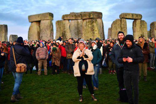 Von Druiden bis zum Partygänger trafen sich am Stonehenge Tausende. Reuters