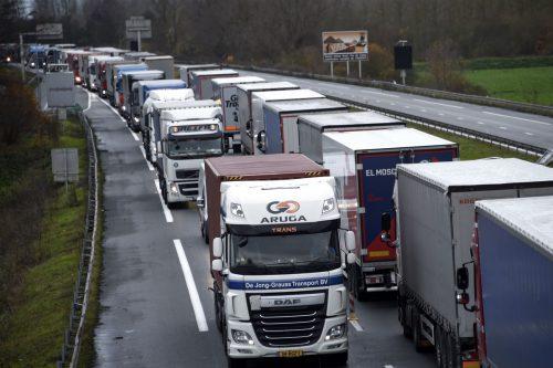 Türkis-Grün unterstützt Notmaßnahmen gegen zu vielLkw-Verkehr.aFP