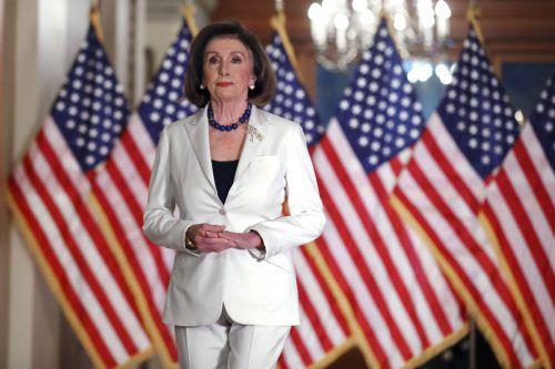 Zum Schutz von Demokratie und Verfassung sei es notwendig, das Verfahren voranzutreiben, erklärte die Demokratin Pelosi. AFP