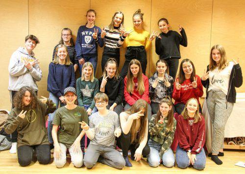 """19 interessierte Jugendliche wurden kürzlich von """"Ringareia"""" und """"Känguruh"""" zu Babysittern ausgebildet.tf"""