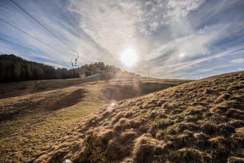 Ach du grüne Neune! In Regionen wie Furx ist es derzeit wärmer als im Tal.