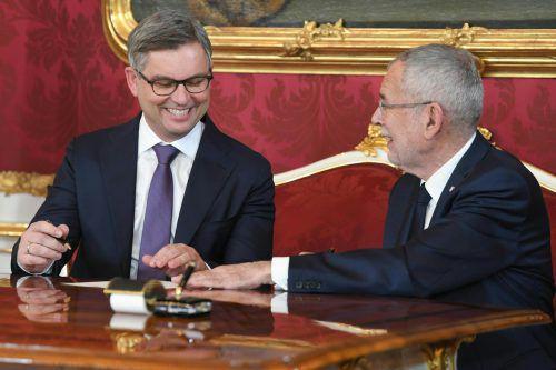 """""""Alexander Van der Bellen hat festgestellt, dass unser Ministerium genug Arbeit bringen wird"""", sagt Staatssekretär Brunner nach der Angelobung den VN.APA"""