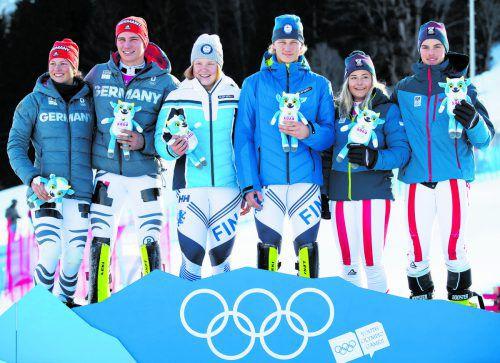 Amanda Salzgeber und Philip Hoffmann (r.) holten im Teamevent Bronze, Gold und Silber gingen an Finnland und Deutschland.rTS