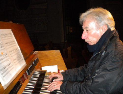 """Auch diesen Silvester begeisterte Prof. Bruno Oberhammer mit dem Konzert """"Silvester Anderswie"""" die Zuhörer in der Höchster Pfarrkirche. STRAUSS"""