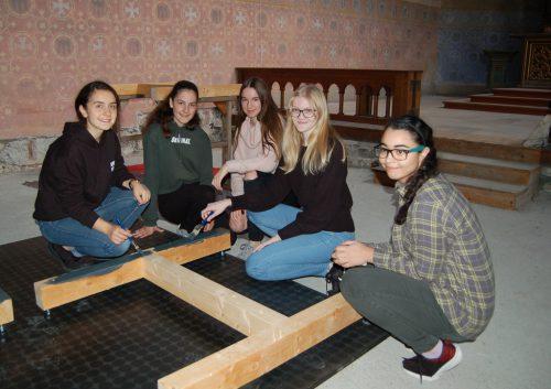 """Bei einem """"Abend der offenen Tür"""" geben auch die Schüler selbst den Besuchern Einblick in den Schulalltag des BORG Götzis.Borg Götzis"""