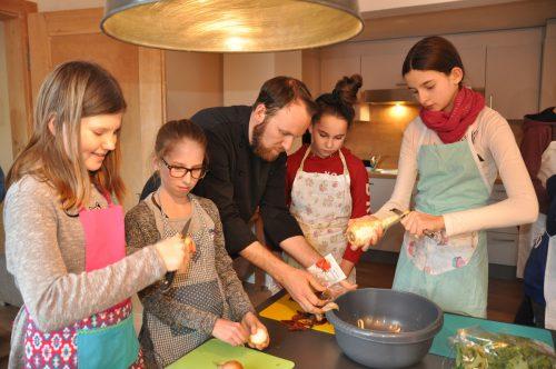Ein Kochkurs mit Profi René Marte-Dreier war im Angebot.MGR