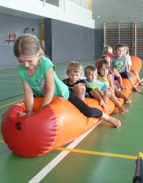 Beim Kinderturnen sind viele Bewegungsspiele angesagt. tf