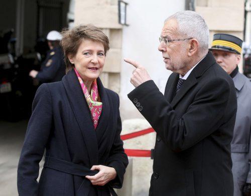Bundespräsident VanderBellen mit seiner Schweizer Amtskollegin Sommaruga.APA