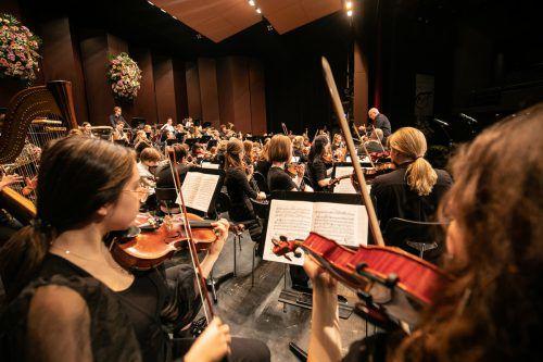 Das Jugendsinfonieorchester Dornbirn musizierte unter der Leitung von Ivo Warenitsch. sams