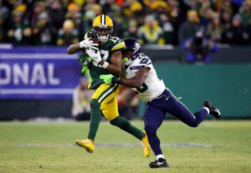 Davante Adams von den Green Bay Packers bei einem Ballgewinn.afp