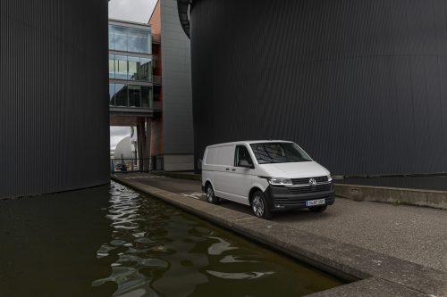 Der mittelgroße VW-Transporter mutierte vom T6 zum T6.1. Dahinter steckt ein umfassendes Motoren- und Elektronik-Update inklusive Digitalisierung.