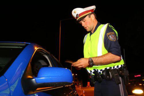 Der Polizei stach der gefälschte Führerschein des Bulgaren bei der Kontrolle sofort ins Auge.Symbol: VN/HB