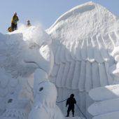Warmer Winter macht Schneefestival in Japan zu schaffen