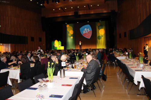 Der Seniorenball Feldkirch ist einer der Höhepunkte im Feldkircher Ballkalender. Auch heuer wird er von der Altenstädter Fasnatzunft gestaltet. heilmann