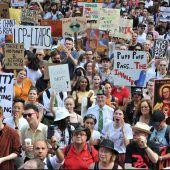 Tausende protestieren in Australien gegen Regierung