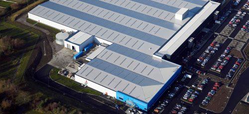 Die Dornbirner Zumtobel Group ist mit drei Produktionswerken in Großbritannien aktiv, im Bild die Produktion im englischen Spennymoor.